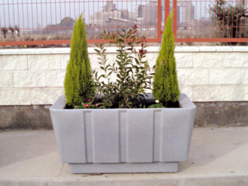 Jardineras mobiliario urbano flagsa reciclados - Jardineras de colores ...